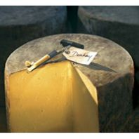 Denhay Farms Farmhouse Cheddar